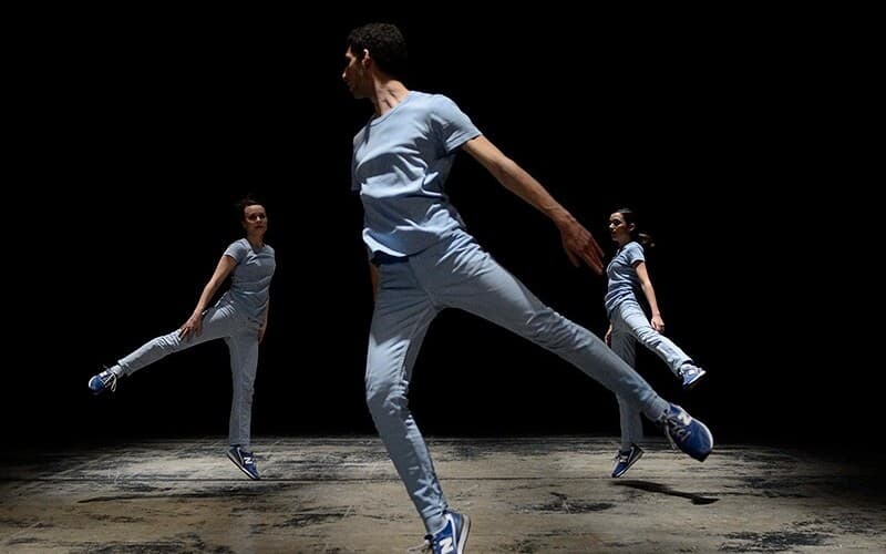 Free dance show